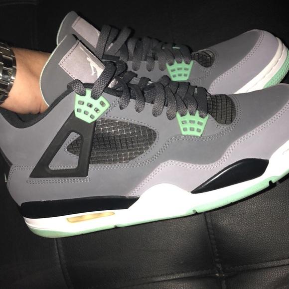 new concept 19d0b c3d73 Jordan retro 4s Green Glow Size 11